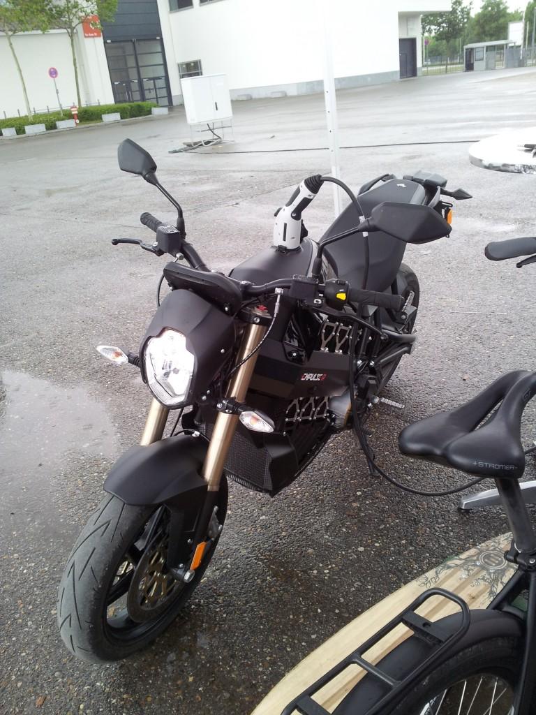 Laddning av elmotorcykel